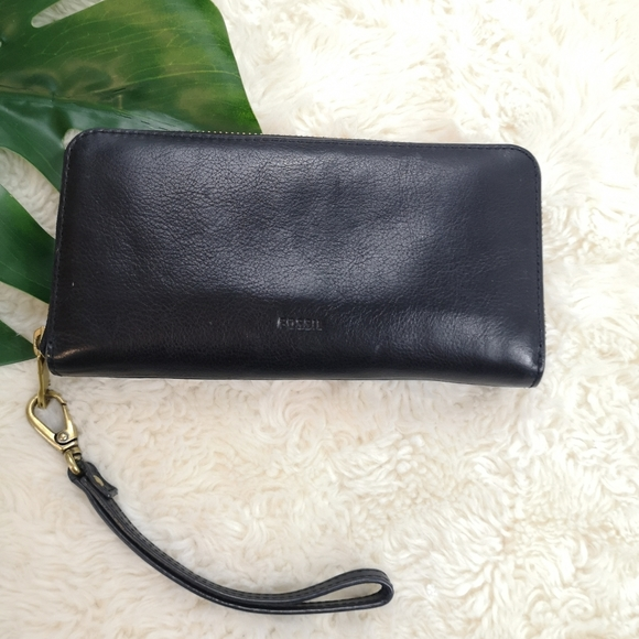 Fossil leather wallet wristlet